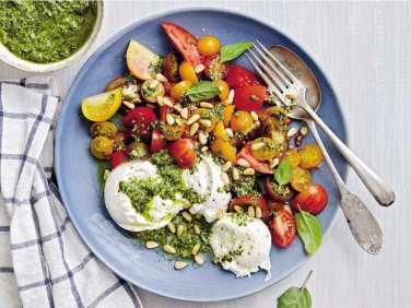 heirloom-tomato-salad-with-burrata